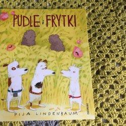 Książka Pudle i frytki pokazuje, że dziecięce książeczki mogą traktować o poważnych sprawach (fot. Ewelina Zielińska/SilesiaDzieci.pl)