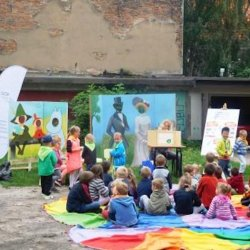 """""""Roześmiane podwórka"""" to akcja organizowana przez Gliwickie Centrum Organizacji Pozarządowych i rady osiedli (fot. mat. prasowe)"""