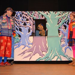 """""""Sekrety Świętego Mikołaja"""" to kolejna propozycja Teatru Gry i Ludzie w ramach Podwieczorków Teatralnych (fot. mat. organizatora)"""