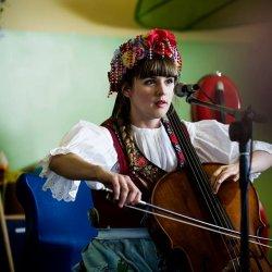 """""""Muzyka po naszemu"""" to cykl spotkań ze śląską Bajarką dla rodzin z dziećmi (fot. mat. Fb Śląsko Bajarka)"""