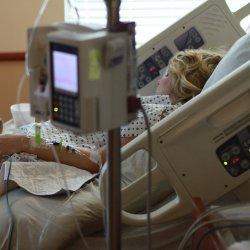 W szpitalach wprowadzane są ograniczenia lub zakazy odwiedzin (fot. mat. pixabay)