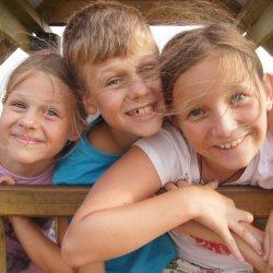 Wakacje to czas przygód, poznawania nowych przyjaciół i zabawy (fot. mat. Kogis)