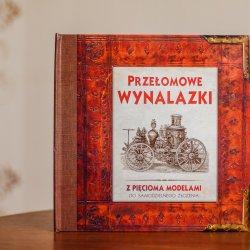 """""""Przełomowe wynalazki"""" to ciekawe połączenie ksiązki i modeli do składania od wydawnictwa Debit (fot. Ewelina Zielińska)"""