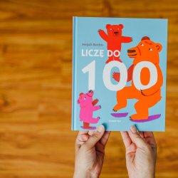 """""""Liczę do 100"""" to książka wydana przez Babarybę adresowana do młodszych czytelników (fot. Ewelina Zielińska)"""