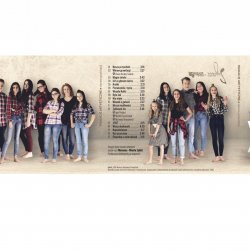 Na płycie znajdziecie 17 utworów, które łączą głosy 21 najzdolniejszych uczestników Wakacji Artystycznych (fot. mat. organizatora)