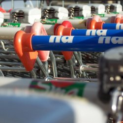 W marketach często jesteśmy świadkami dziwnych zachowań (fot. sxc.hu)