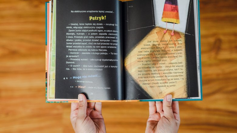 Warto sięgnąć po tę książkę i omówić niebiezpieczeństwa, które czyhają w naszych domach (fot. Ewelina Zielińska)
