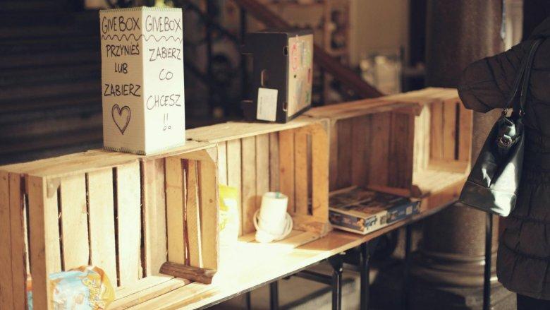GiveBox jest świetnym sposobem na podarowanie przedmiotom drugiego życia (fot. FB Przystanek Śniadanie)