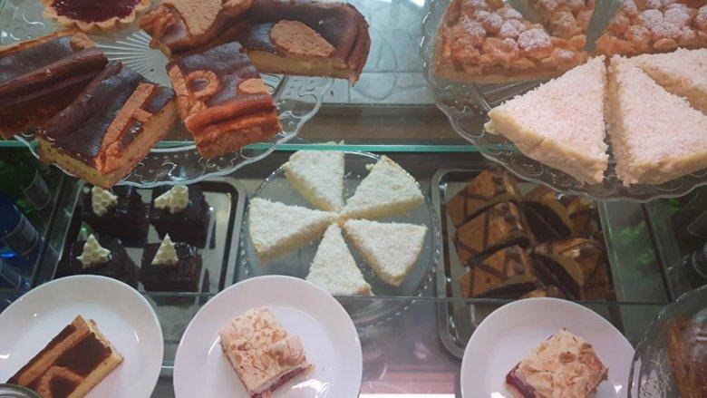 W menu pozostaną swojskie ciasta i desery. Dojdą jednak nowe smaki zarówno deserów, jak i napojów (fot. mat. Pli Pla Plo)