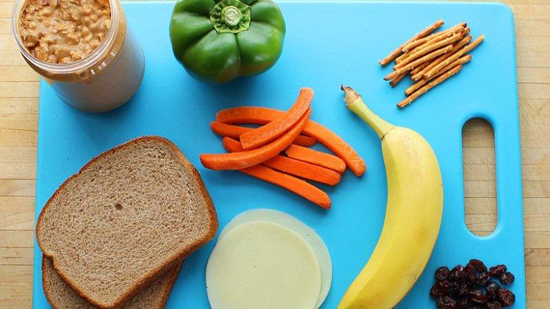 Ankieta pomoże określić jaką wiedzę żywieniową mają rodzice oraz dzieci (fot. foter.com)