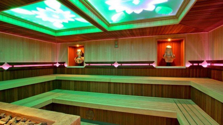 Twierdzenie, że sauna jest niezdrowa dla kobiet w ciąży i małych dzieci - to mit (fot. materiały Term Rzymskich)