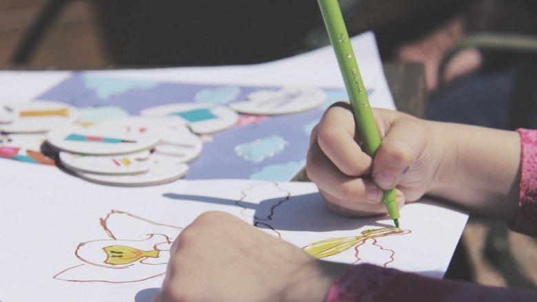 Jakie dzieła powstaną, gdy dzieci wykorzystają swoją wyobraźnię w surrrealizmie? (fot.foter.com)