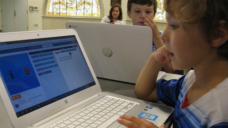 Bezpłatne zajęcia z kodowania będą prowadzone w Miejskiej Bibliotece Publicznej w Gliwicach (fot. foter.com)
