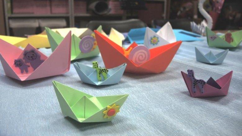 Na warsztatch w Miejskim Domu Kultury dzieci stworzą papierowe cuda ucząc się origami (fot. mat. FB MDK Bogucice-Zawodzie)