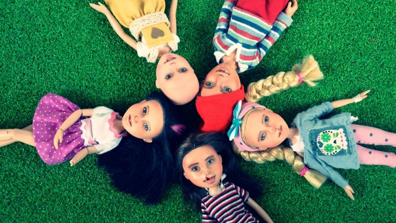 Wszystkie lalki powstają na podobieństwo ich przyszłych właścicieli, a oni sami lub ich rodzice czynnie uczestniczą w metamorfozie (fot. Ignatow Repainted Dolls)
