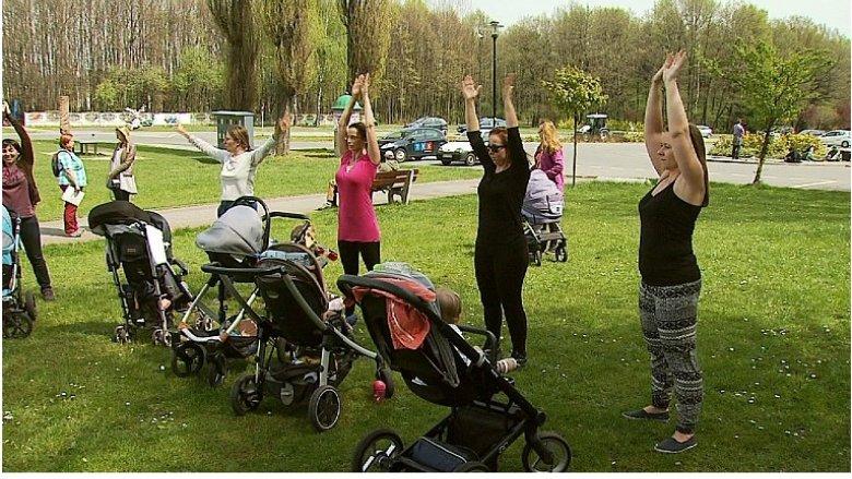 BuggyGym to zajęcia sportowe przygotowane specjalnie dla mam z małymi dziećmi w wózkach (fot. www.tvs.pl)