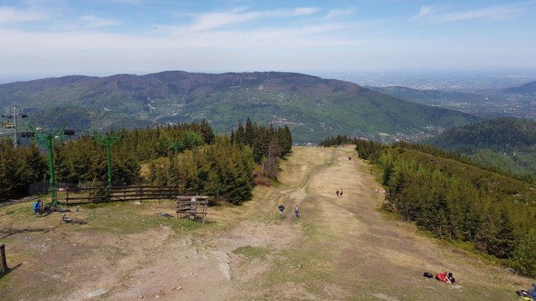 Tym, którzy mają możliwość, polecamy wspinaczkę górską (fot. Katarzyna Esnekier/SilesiaDzieci.pl)