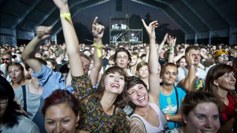 Podczas poprzednich edycji festiwalu Tauron Nowa Muzyka fani muzyki elektronicznej bawili się świetnie (fot. materiały organizatora)