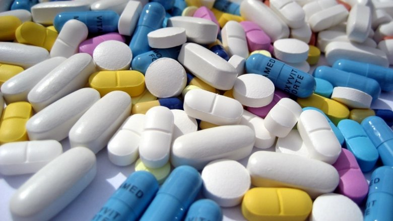 Zawsze przed zastosowaniem leku, warto zapytać lekarza, czy nie obniża skuteczności stosowanej antykoncepcji (fot.sxc.hu)