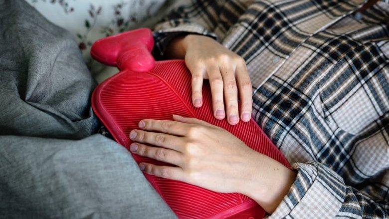 Objawami endometriozy są zwykle m.in. bolesne miesiączki (fot. pexels)