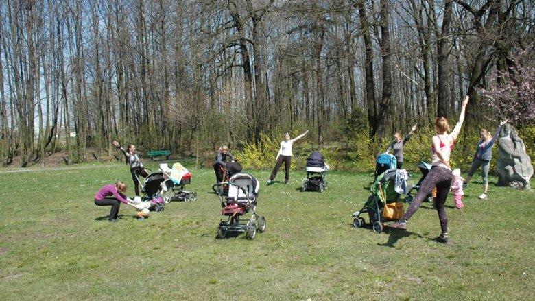 BuggyGym to nowa dyscyplina polegająca na tym, że wykonywane są z wózkiem ćwiczenia o charakterze aerobowym, wzmacniającym, kształtującym i rozciągającym (fot. mat. organizatora)