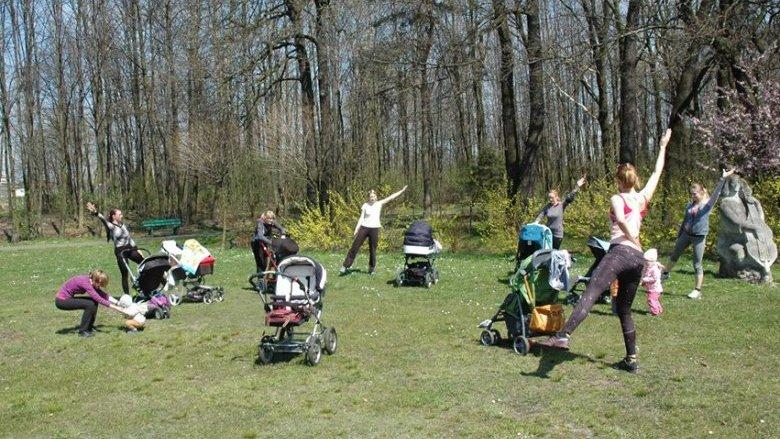 BuggyGym to zajęcia sportowe przygotowane specjalnie dla mam z małymi dziećmi w wózkach (fot. buggygym.pl)