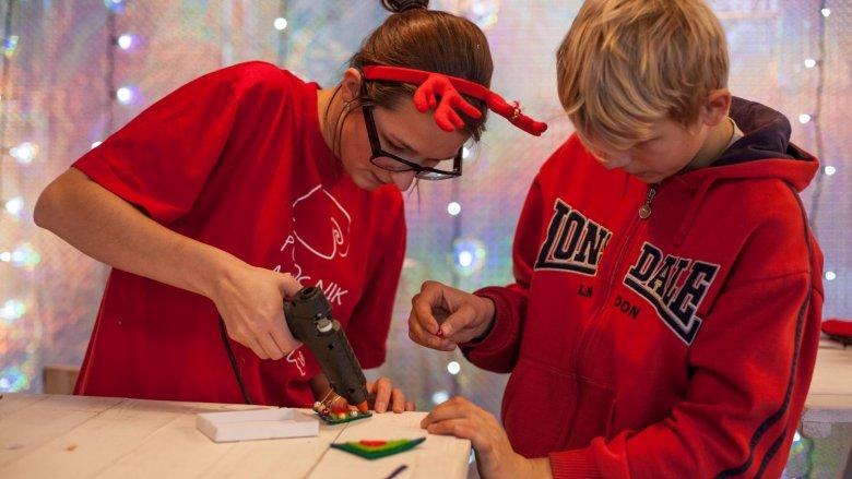 Nic tak nie cieszy jak prezent od serca – wykonany własnoręcznie (fot. mat.org.)