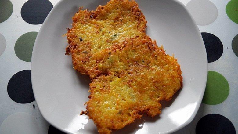 Placki ziemniaczane z marchewką i natką pietruszki (fot. materiały SD)