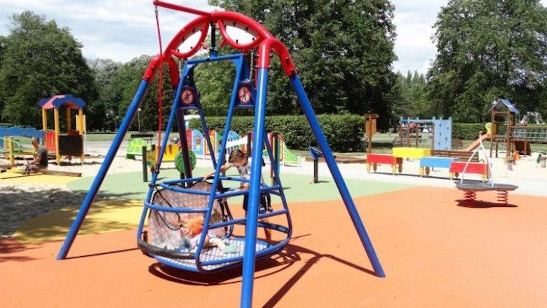 Ogromny Wypadek na placu zabaw dla niepełnosprawnych | Silesia Dzieci RQ63