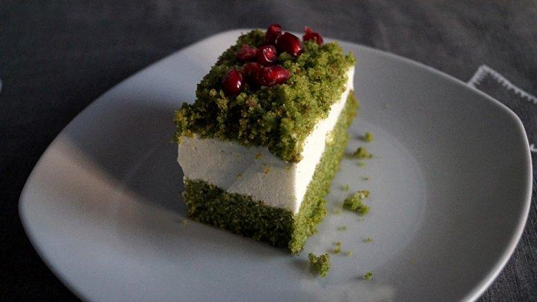 """Ciasto nazwane przez nas """"Leśny mech"""" znane jest też pod nazwą """"Mech w lesie"""", """"Ciasto Shrekowe"""" lub """"Szpinakowe"""" (fot. mat. Silesia Dzieci)"""