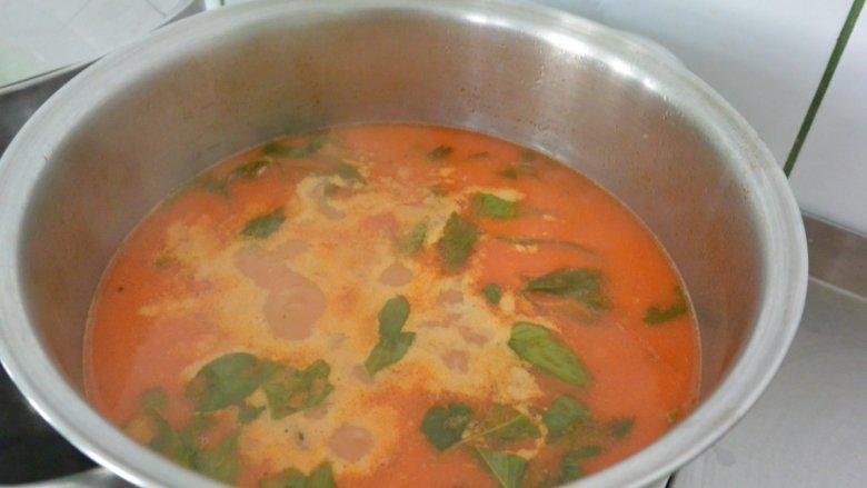 Zupa przygotowana przez dzieci na warsztatach w Cynamon Sztuka Gotowania (fot. mat. Cynamonu)