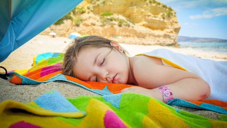 Wystarczy 15-minutowa ekspozycja 18 proc. ciała na słońce i spożywanie produktów bogatych w witaminę D, by utrzymać jej prawidłowy poziom w organizmie (fot. pixabay)