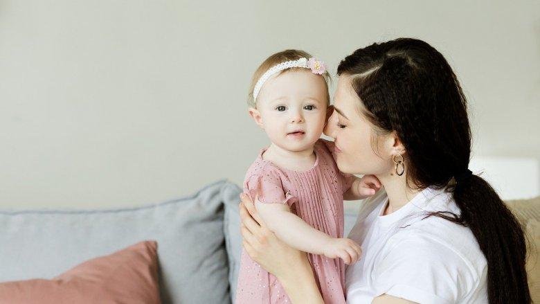 Zasiłek opiekuńczy przysługuje rodzicom dzieci do 8. roku życia (fot. pixabay)