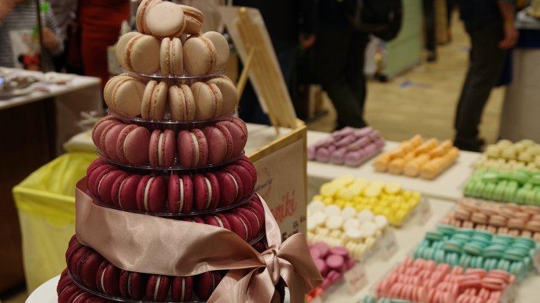 Na festiwalu znajdziemy m.in. makaroniki, owoce w czekoladzie, praliny czy torty (fot. mat. organizatora)