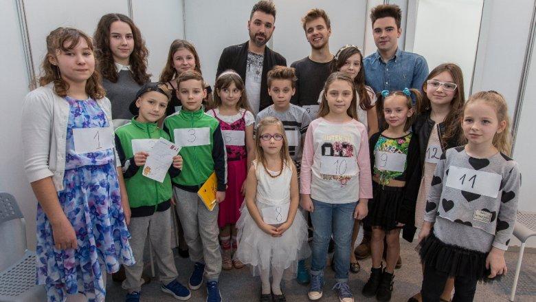 """Pamiątkowe zdjęcie uczestników konkursu """"Silesia Kids"""" (fot. mat. organizatora)"""