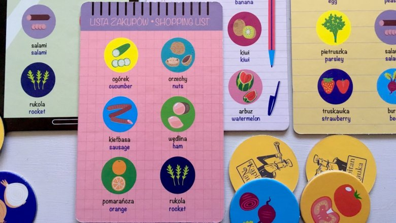 Instrukcja gry zawiera aż 12 propozycji gier i zabaw (fot. Ewelina Zielińska/SilesiaDzieci.pl)