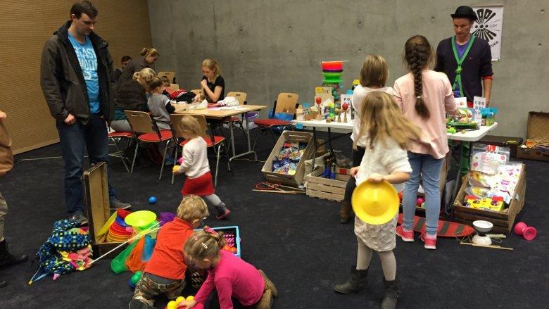 Darmowe warsztaty i animacje były sporą atrakcją dla odwiedzających targi dzieci (fot. mat. Silesia Dzieci)
