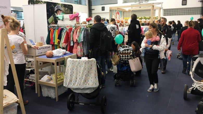 Wśród odwiedzających targi przeważali rodzice z małymi dziećmi (fot. mat. SilesiaDzieci.pl)
