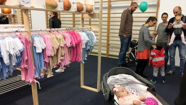 Delikatne tkaniny, niebanalne wzornictwo i wysoka jakość wykonania - to cechowało wszystkie produkty, które można było znaleźć na targach SB Kids 7 (fot. mat. SilesiaDzieci.pl)