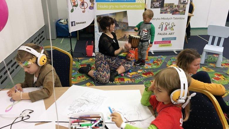 Wśród warsztatów dla dzieci, jakie odbędą się na targach, znajdziemy m.in.: muzyczne, fizyczne, chemiczne, kulinarne czy druku 3D  (fot. mat. organizatora)