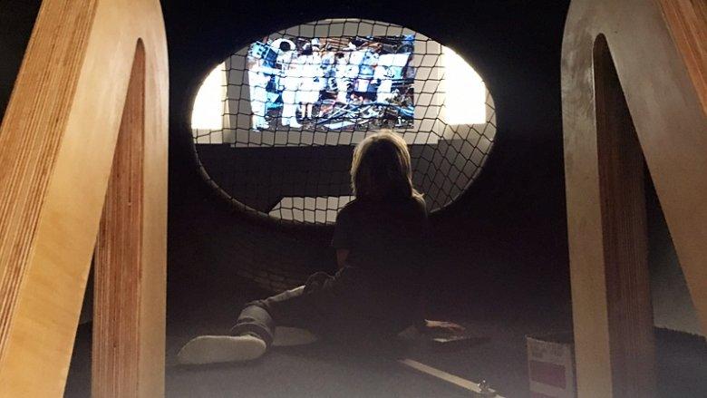 """Znajdowała się tam też kapsuła z ekranem, na którym puszczasny był """"Pan Kleks w kosmosie"""" (fot. mat. SilesiaDzieci.pl)"""