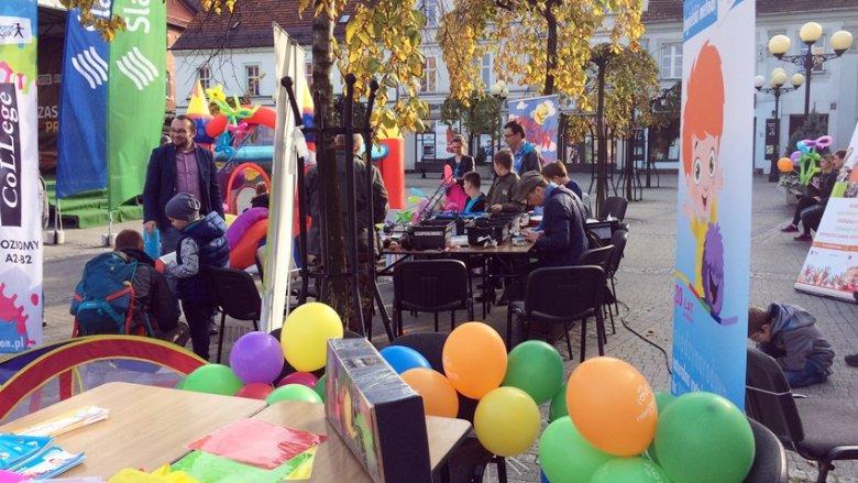 W ramach Rajdu Śląska dzieci mogły liczyć na liczne atrakcje, animacje i warsztaty zorganizowane przez lokalne firmy (fot. mat. SilesiaDzieci.pl)