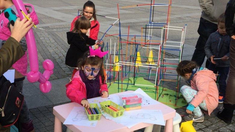 Studio MathRiders przygotowało dla najmłodszych kolorowanki rajdowe i konkursy matematyczne (fot. mat. SilesiaDzieci.pl)