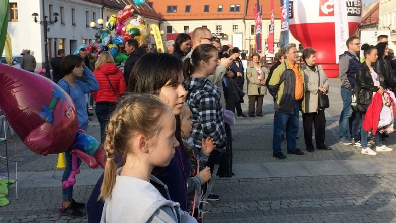 Pokazy i warsztaty przyciągnęły wiele rodzin (fot. mat. SilesiaDzieci.pl)