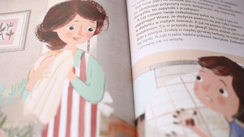 """""""Historie zamiecione pod dywan"""" to książka Anny Zimnowodzkiej wydana przez Kocur Bury (fot. Ewelina Zielińska)"""