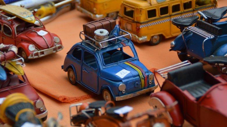 """Na kiermaszu """"Mamy Mamom"""" będzie można wymienić lub sprzedać stare zabawki i ubrania dziecięce (fot. pixabay)"""
