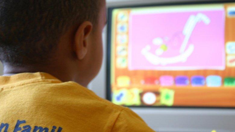 Komputer ma swoje minusy, m.in. możliwość łatwego uzależnienia (fot. sxc.hu)