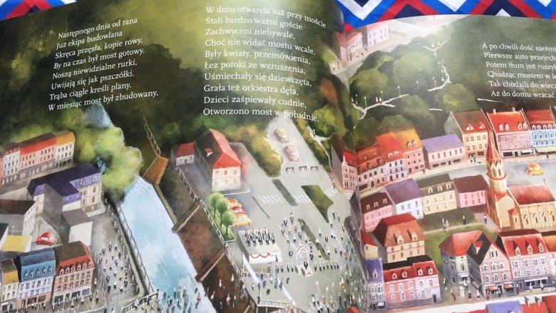 Cała historia zapisana jest rytmicznym wierszem, który dobrze brzmi podczas głośnej lektury (fot. Ewelina Zielińska/SilesiaDzieci.pl)