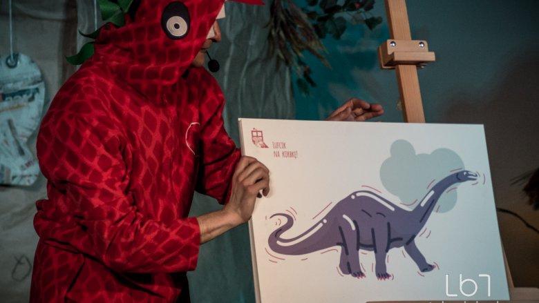 Opowieść o śląskim dinozaurze to świetne wprowadzenie w tematykę przyjaźni i samotności (fot. M. Buksa)