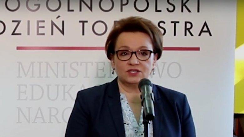 W Ogólnopolskim Dniu Tornistra w plecakach dzieci zabrakło podręczników (fot. mat. men.gov.pl)
